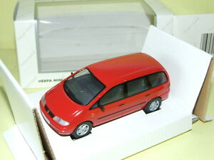 SEAT-ALHAMBRA-Rouge-HERPA
