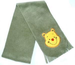 NEU-Kuscheliger-Fleece-Schal-mit-Winnie-the-Pooh-Khaki-oder-Oliv