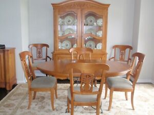 Ethan Allen Legacy Collection Dining Room Set Table Chairs