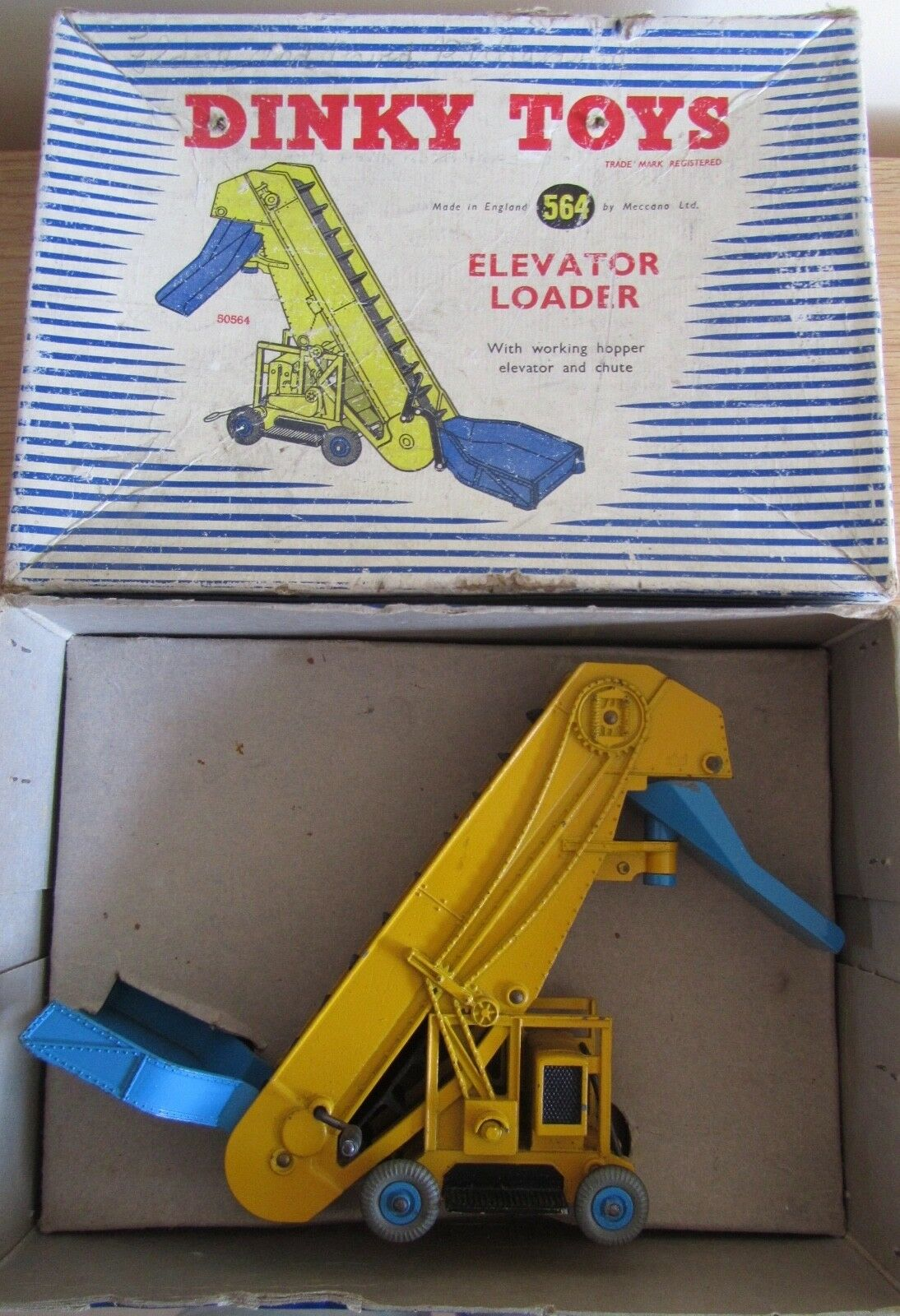 Dinky Toys 564 Elevator Loader vintage in original box good used condition