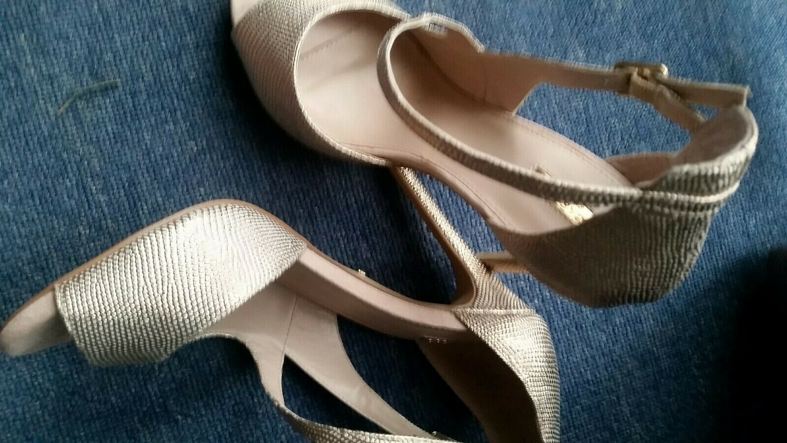 Carvel Ladies Heels Sandals Size 7