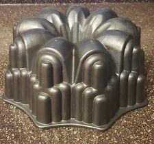 Nordic Ware Bundt Cake Pan Heavy Cast Aluminum USA Vintage