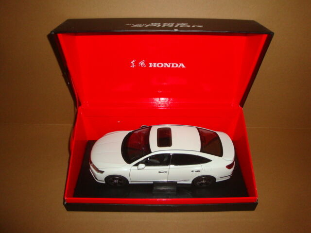1 18 2014 new Honda Spirior Model Weiß Farbe die cast model + gift