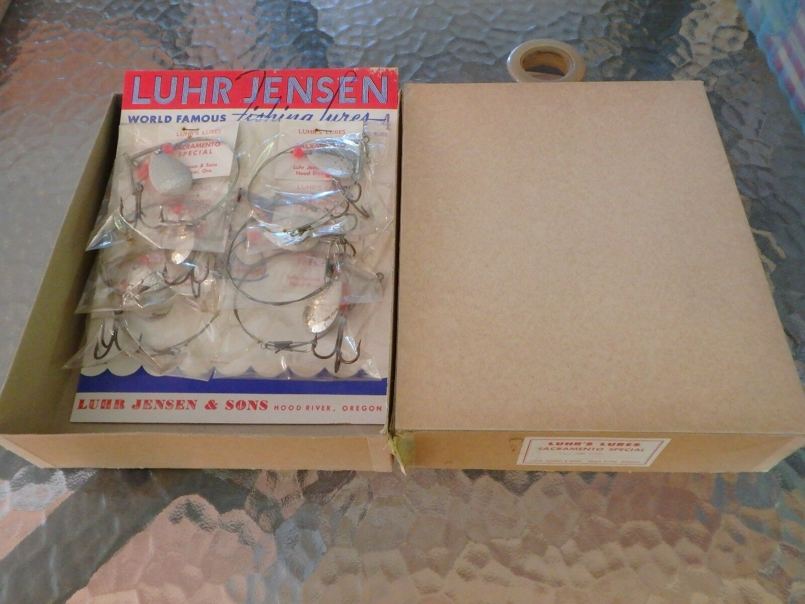 Luhr Jensen & Sons Luhr's Lures Sacramento Special Dealer Box Included 4 Display