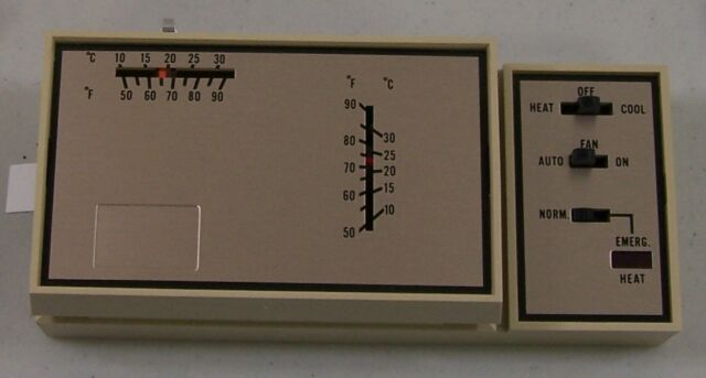 Goodman Thermostat Hpt18-60 3AAT86B21A1 1 Years Full Same on