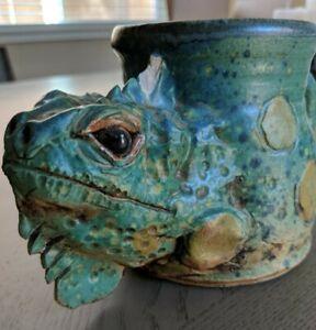 Ceramic-Hand-Made-Iguana-Coffee-Mug-CCP-1999-Highly-Detailed