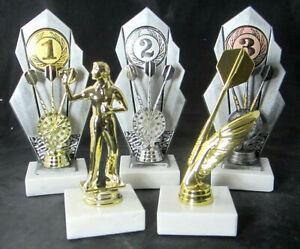 1x-3er-Serie-Dart-Pokale-21cm-hoch-Gravur-u-Emblem-Beste-Dame-High-Finish