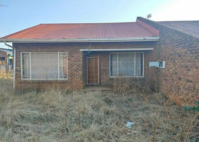 1 Bedroom with 1 Bathroom House For Sale North West
