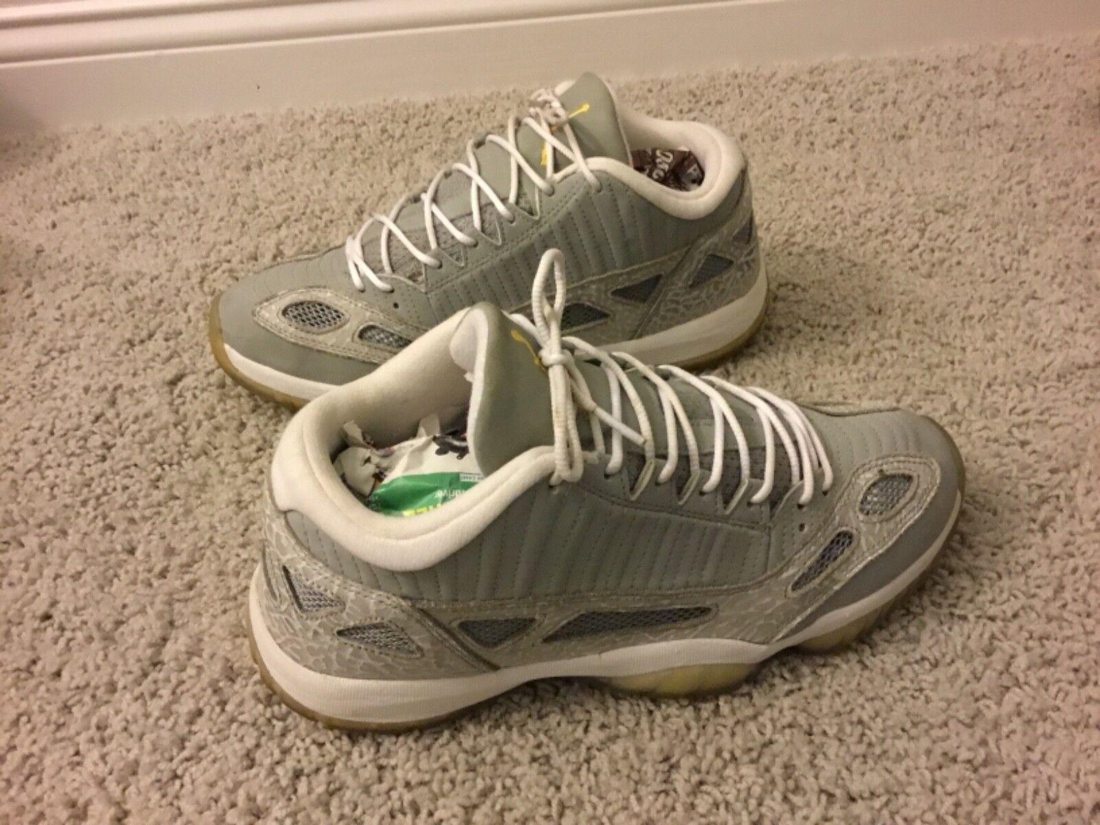 Men's Jordan Xl Retro Basketball Athletic shoes Size 10.5M Multi-color