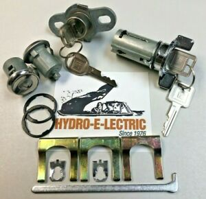 NEW 1970-1973 Chevrolet Camaro Ignition Door /& Trunk Lock Set with GM keys