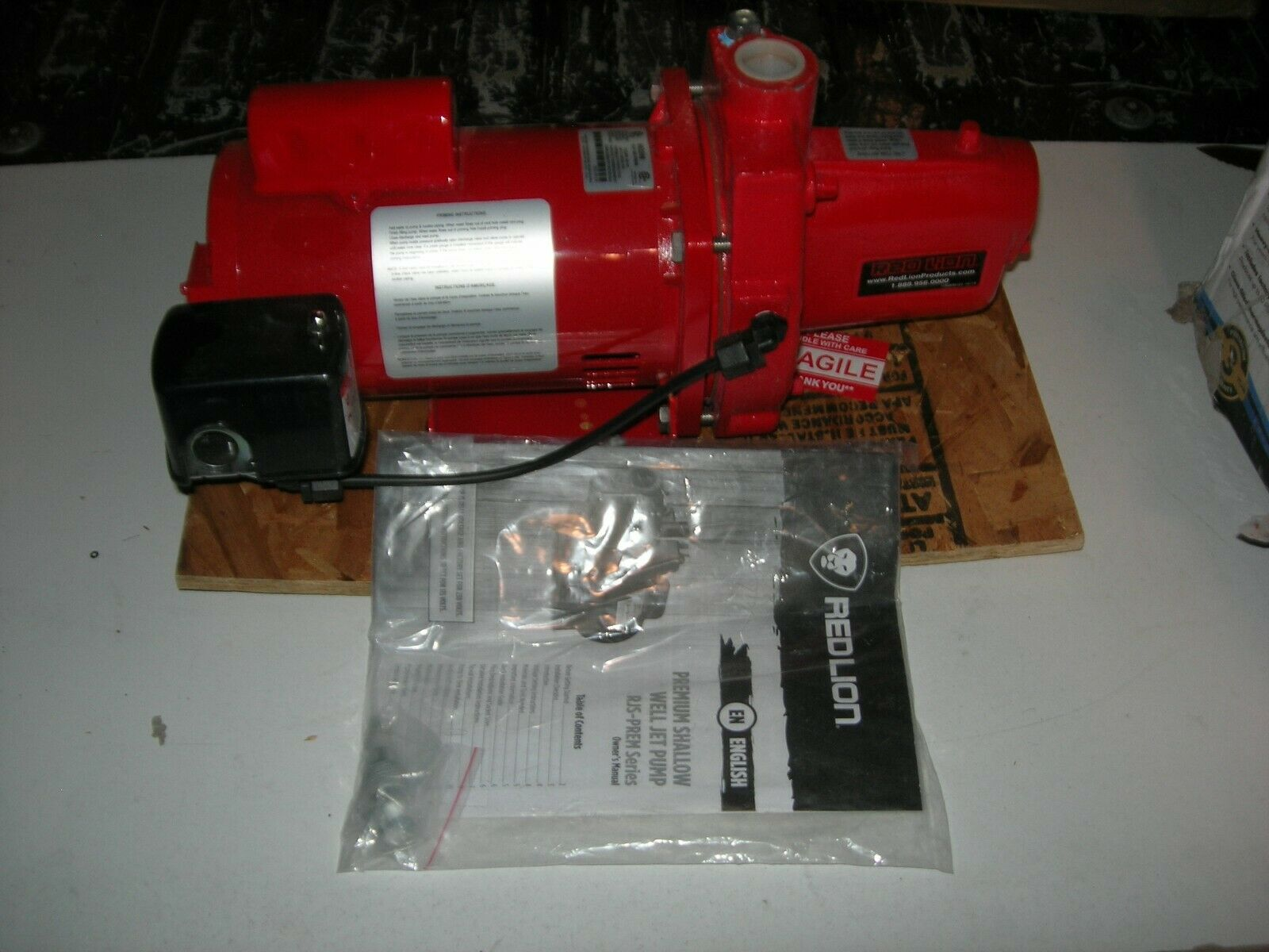 Red Lion RJS-100-PREM 1HP Cast Iron Thermoplastic Shallow Well Jet Pump602208