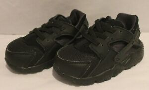 Details about INFANT'S NIKE HUARACHE BLACK ON BLACK TRAINERS
