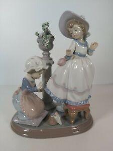 Lladro-Figurine-5344-034-A-Stitch-In-Time-034-Appr-9-5-034-24cm-H
