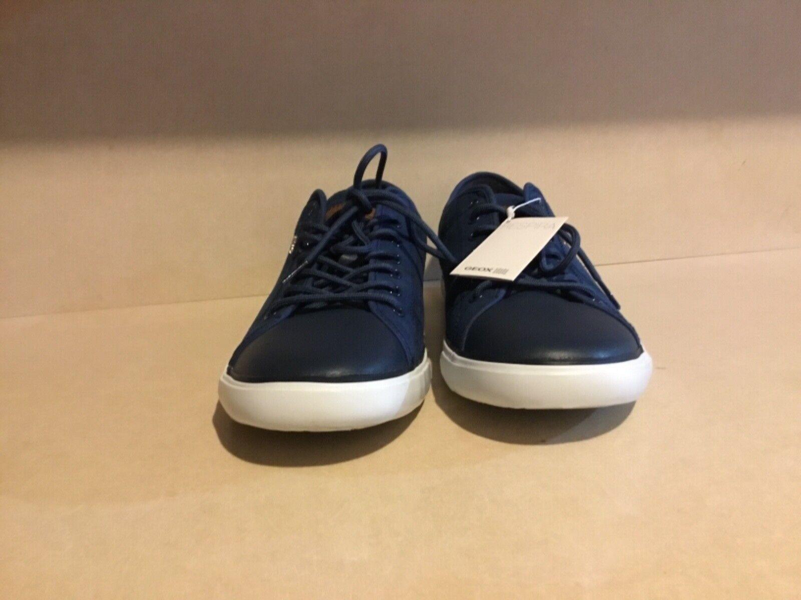 Geox respira men, Italian made casual bluee leather sneakers, super nice. US12.5
