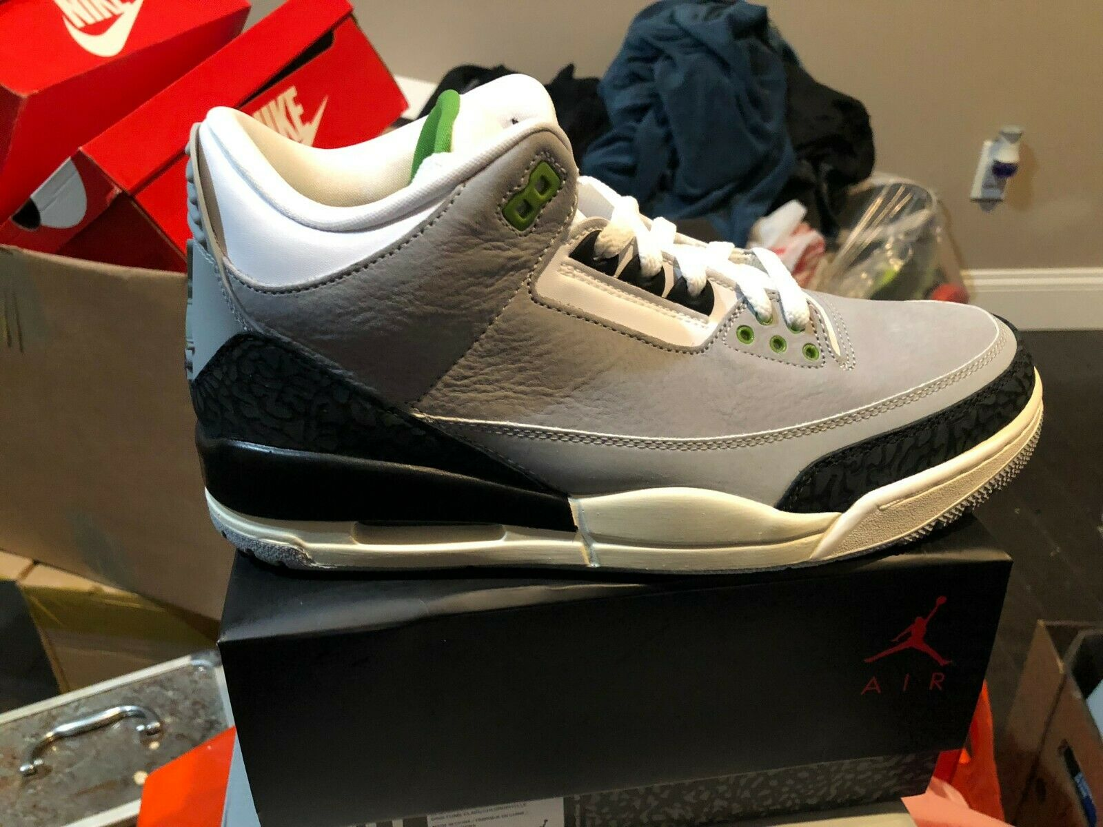 NIKE AIR JORDAN RETRO 3 BNIB GREY GREEN BLK WHITE SIZE 10.5 136064 006