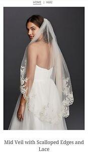 David-039-s-Bridal-Mid-Veil-w-Scalloped-Edges-amp-Lace-V682-Champagne-189-95