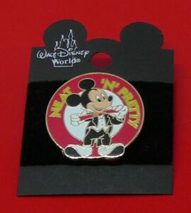 SMALL-Disney-Enamel-Pin-Badge-Mickey-Mouse-Character-Neat-039-N-039-Pretty-Design