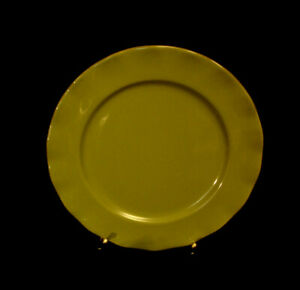 Belle-Pea-Green-by-Tabletops-SALAD-PLATE-8-1-2-034