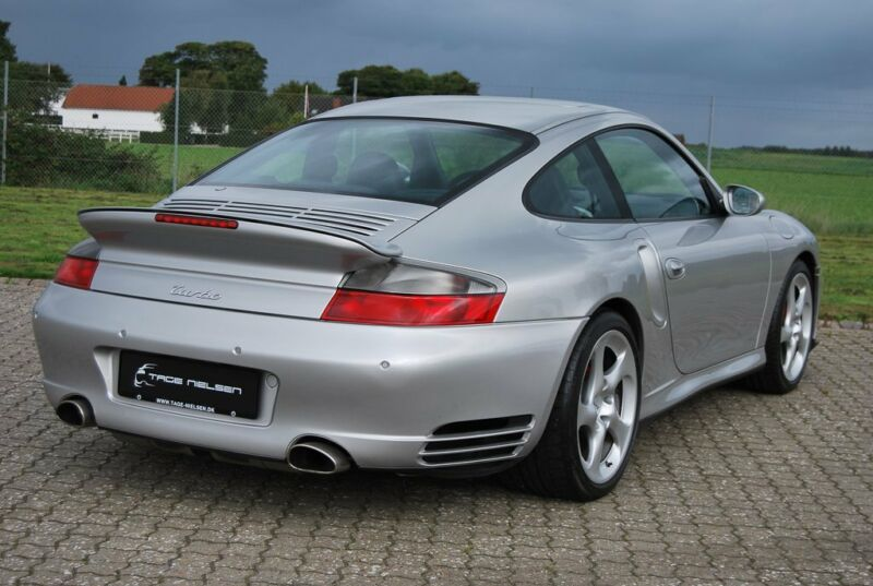 Porsche 911 Turbo Coupé - 11