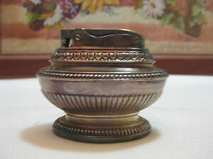 Vintage-Ronson-Queen-Anne-Silverplate-Table-Top-Cigarette-Lighter-1950s-USA