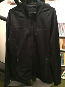portée ~ XL noire à de fermeture Veste sport jamais à glissière Taille Fabletics 87qWwavAx