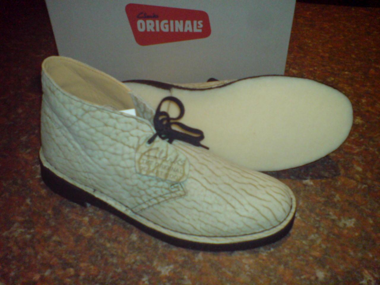 NUOVE Clarks Original Boots Uomini ** Desert Boots Original Pelle Nabuk Foglia Uva ** ** F 803c4a