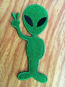Green-Alien-Peace-Sign-Love-ET-UFO-Space-Flying-Logo-Applique-Iron-on-Patch-Sew