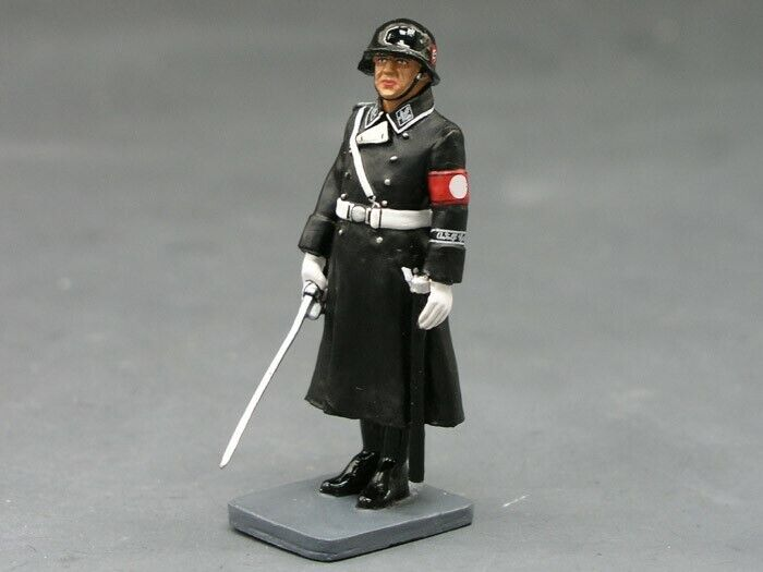 KING AND COUNTRY LAH077 LAH77 - - WINTER PARADE DRESS - LEIBSTANDARTE 1 30 SCALE