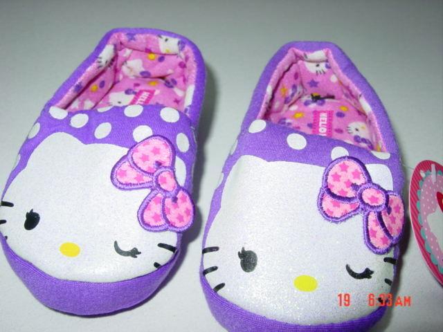 NWT Girls Hello Kitty Scuff Slippers Sanrio Cat Kitten Pink Glitter Faux Fur