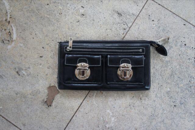 Marc Jacobs Zippy Leather Wallet BLACK