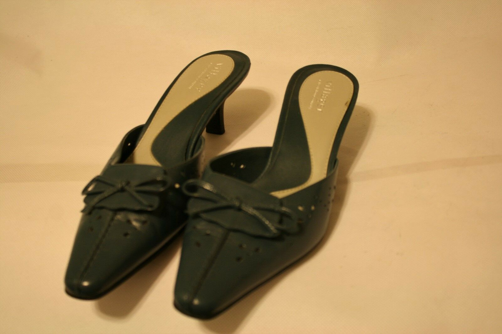 LIZ CLAIBORNE Villager Lucille Women Blue Leather Slide 6.5M Mule 2