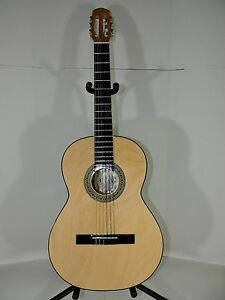 new classical acoustic guitar hand made in mexico great sound. Black Bedroom Furniture Sets. Home Design Ideas