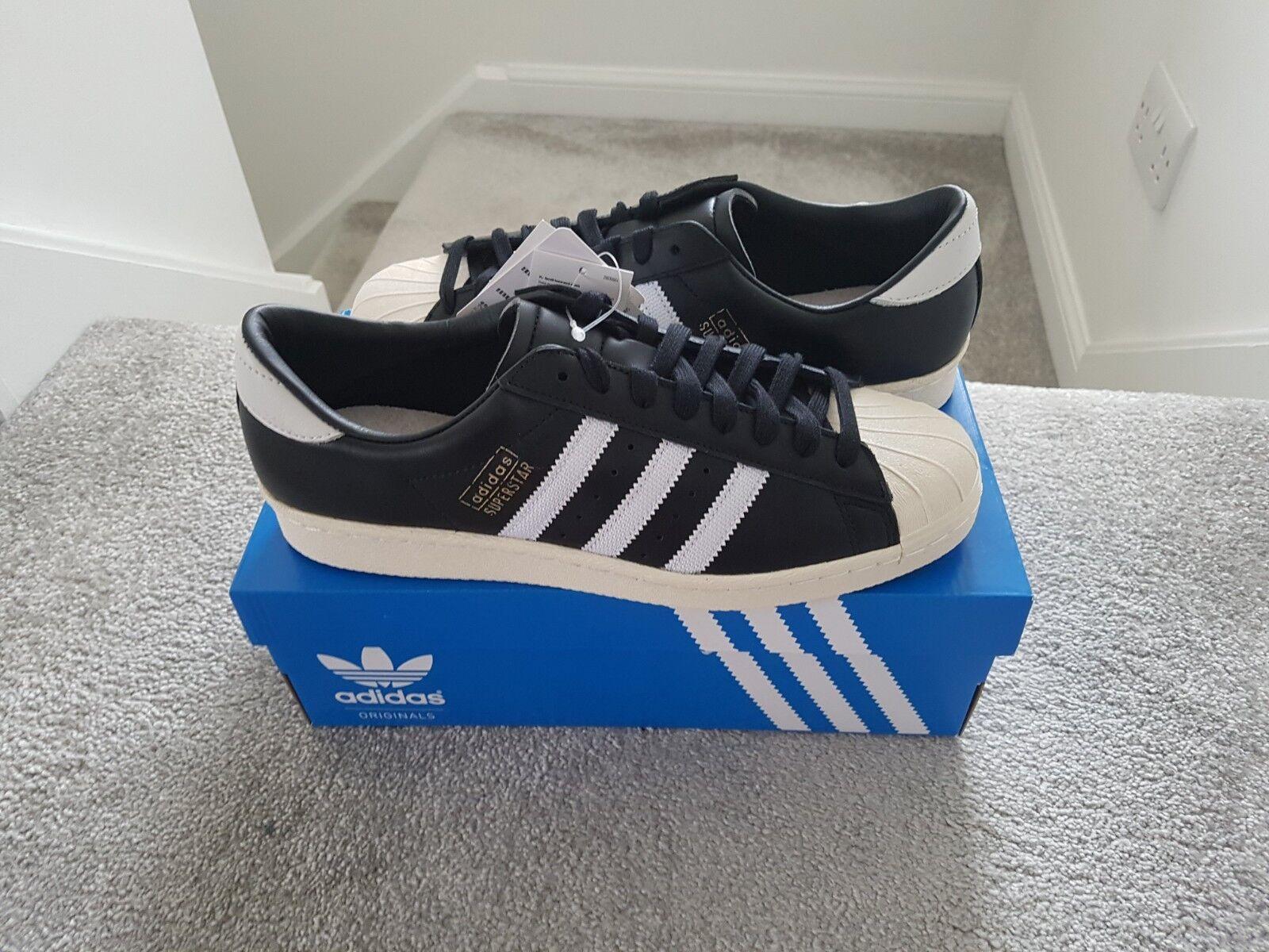 Adidas Superstar OG Zapatillas Negro y blancoo. a estrenar con las etiquetas y caja. Reino Unido 9