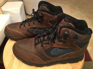 low priced a4a5f dc728 Image is loading Vintage-Nike-Air-ACG-Brown-Black-amp-Blue-