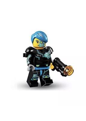 #3 Cyborg Soldier LEGO Series 16 BRAND NEW Mini-Figure W//Stand