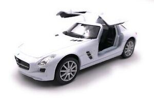 Maquette-de-Voiture-Mercedes-Benz-SLS-AMG-Blanc-Auto-Echelle-1-3-4-39-Licence