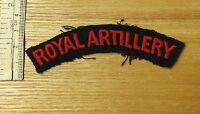 An Original Military WWII Royal Artillery Shoulder Title Cloth Badge (3755)