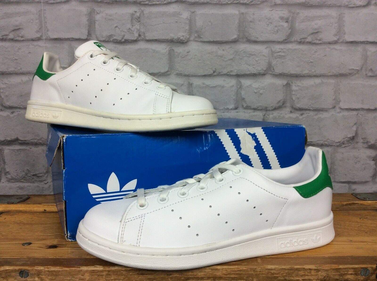 ADIDAS LADIES STAN SMITH GREEN WHITE LEATHER TRAINER VARIOUS SIZES YOUTH