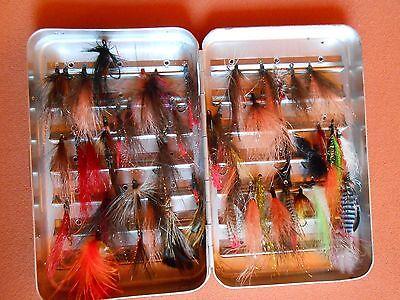 Fliegenset, Meerforellenfliegen, Meerforelle, Fliegen mit Box Metall