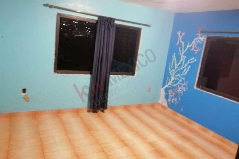 Casa de dos pisos con dos departamentos en venta en Lázaro Cárdenas, Tlalnepantla