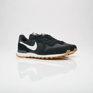 best sneakers 65722 ef231 Image is loading Nike-Womens-Internationalist-Black-White-Trainers-828407- 021