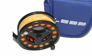 Loop-Sweden-Model-2-Patent-large-arbour-tri-lobe-fly-reel-with-line-amp-case