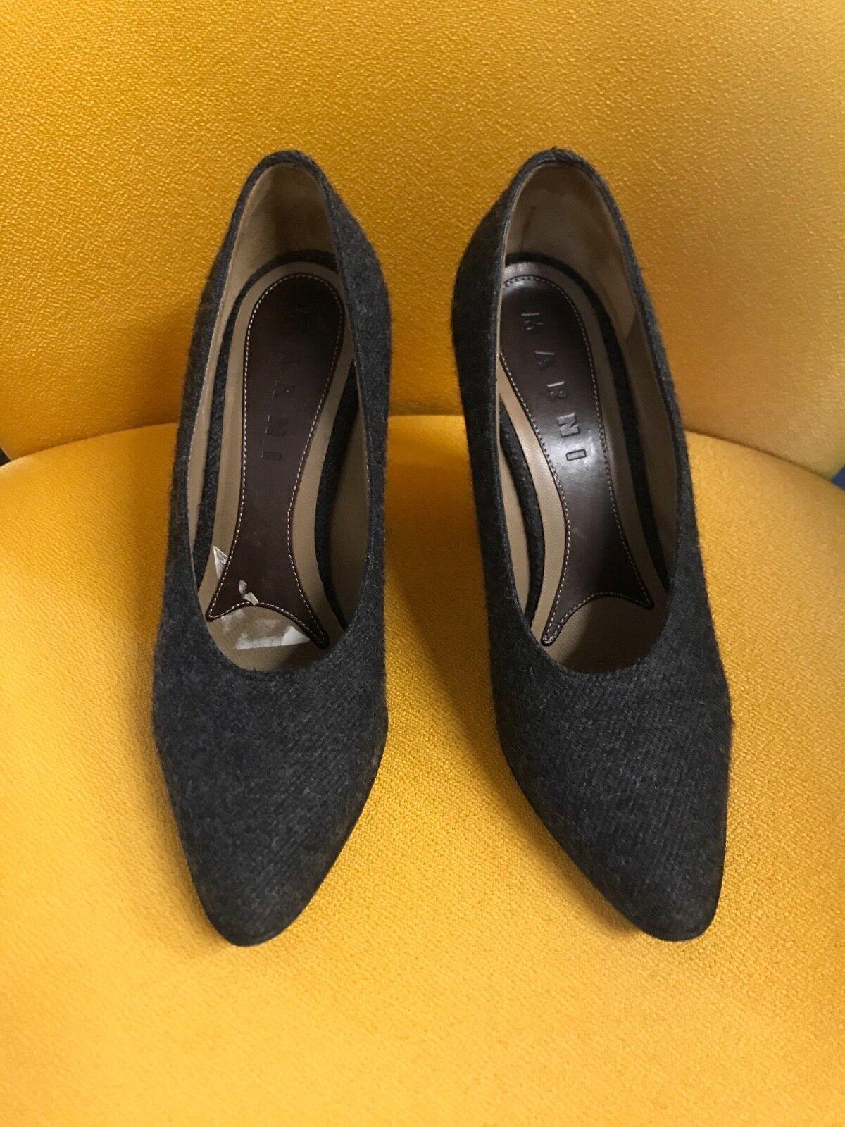 SOUVENIR Italia in Made stringate Chaussures noir femmes