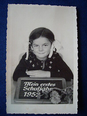 AK / Foto Mädchen Erster Schultag 1952