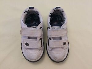 Next-Infant-Boy-039-s-White-Fastening-Canvas-Trainers-Shoes-Size-4-Very-Nice