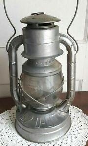 Antique-Dietz-No-2-D-Lite-Metal-Kerosene-Lantern