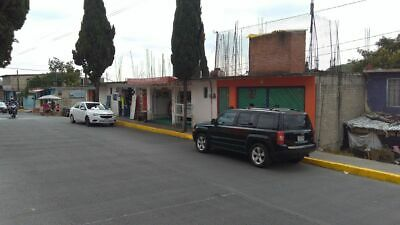 Casa con Locales en Atizapán