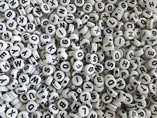100 perles ALPHABET rond plat acrylique NOIR ET BLANC 7mm de diamètre