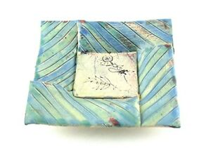 Robin-Wade-Trinket-Dish-4-Footed-Blue-Floral-Studio-Pottery