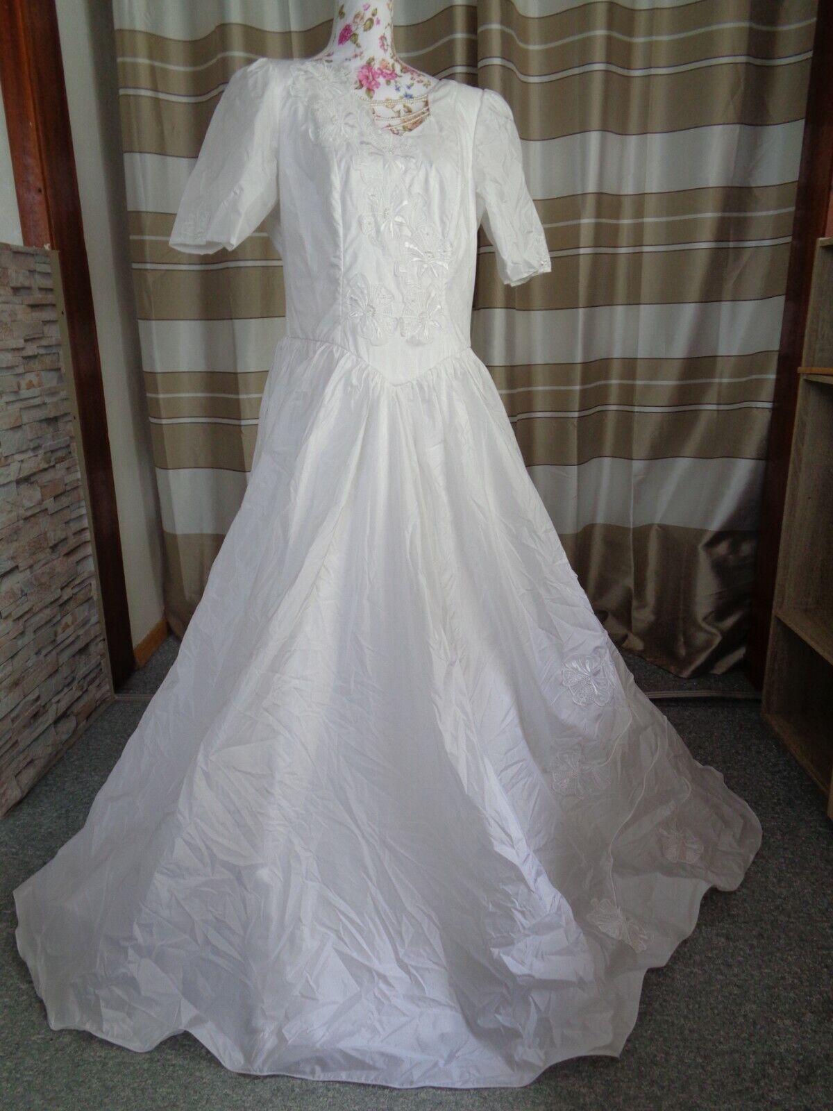 (81)Edles Damen Braut Standesamt Abend Kleid GR: 42